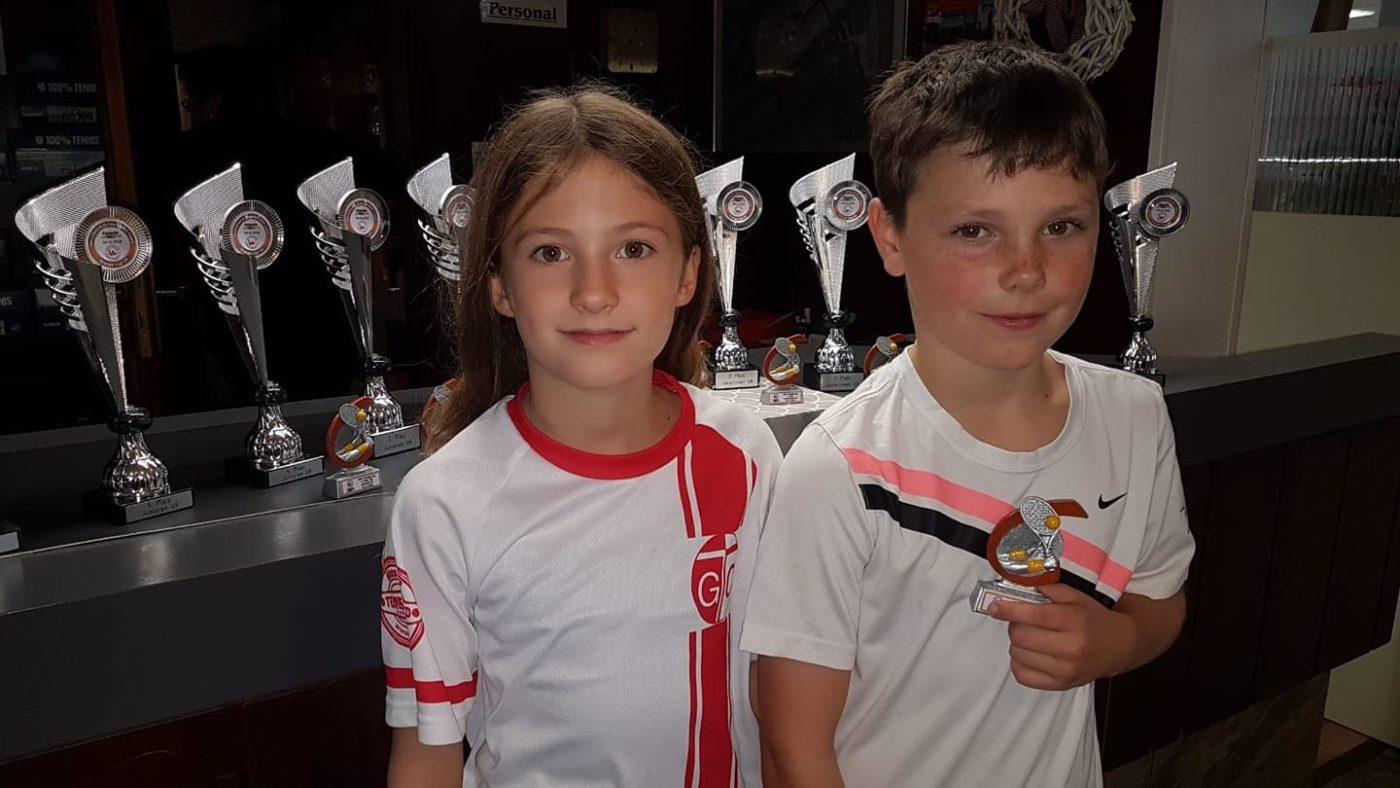 Bambino Bezirksmeisterschaften beim GTC Rot-Weiß. Neele Brinkmann und Noah Langa...
