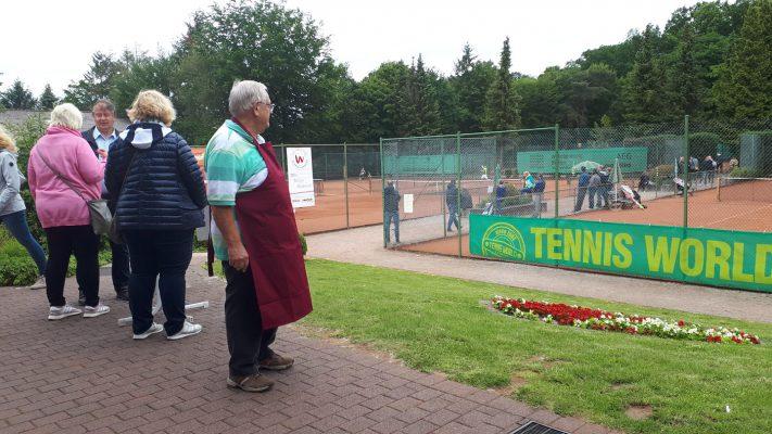 Clubwirt Gerd Winkler ist begeistert von den sportlichen Leistungen bei den West...